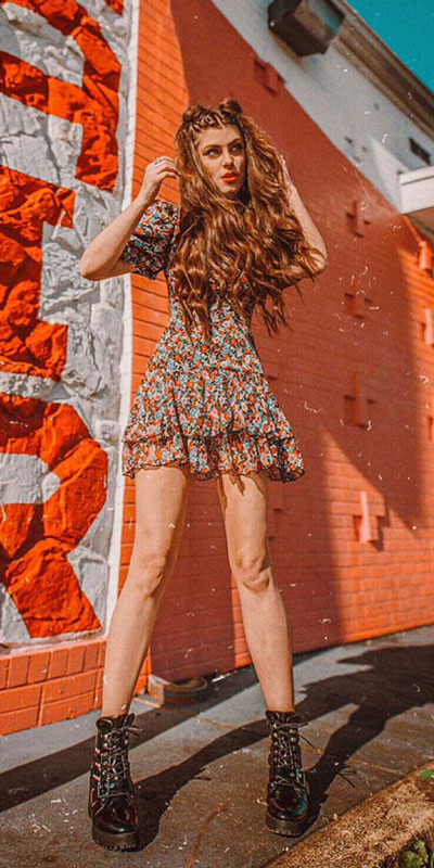 Transform your summer looks with these fashion-forward summer outfits for every summer occasion. Summer Outfit Ideas via higiggle.com | floral mini dress | #summeroutfits #floral #style #minidress