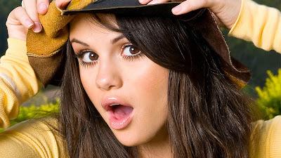 Singer Selena Gomez HD Wallpaper Images