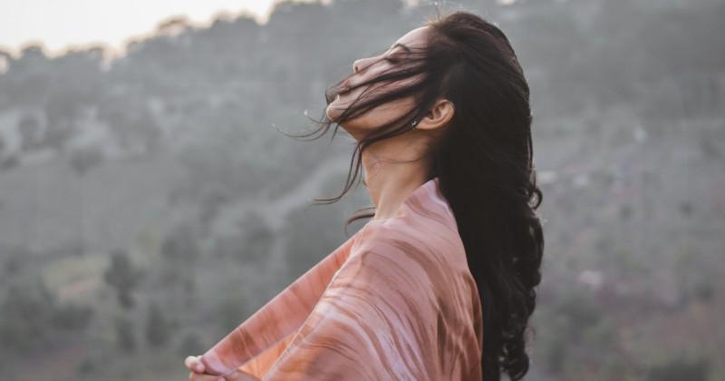 Bagaimana Cara Mengobati Patah Hati Setelah Putus Cinta?