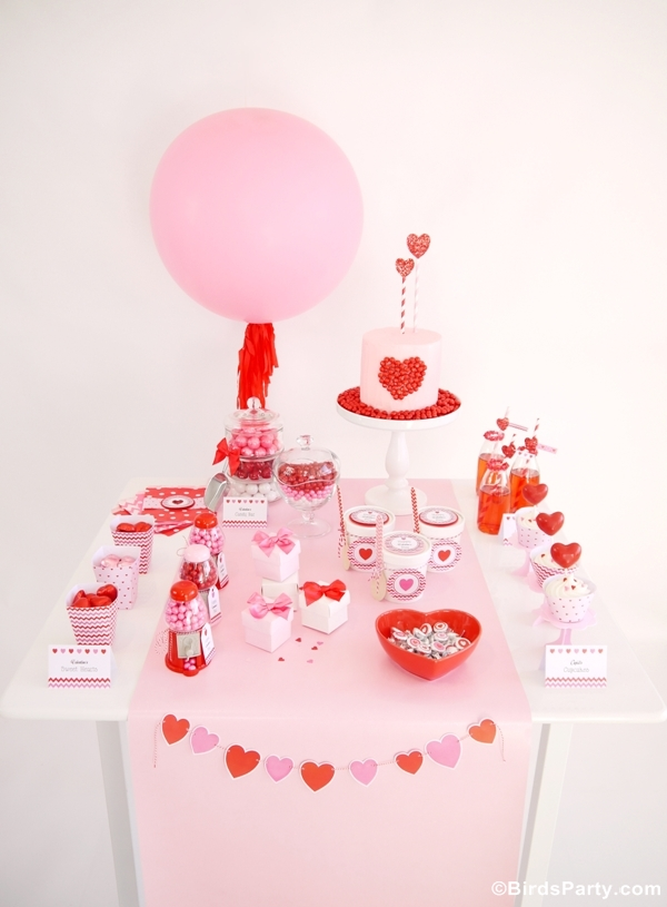 Sweet Heart Valentine's Day Desserts Table & Printables