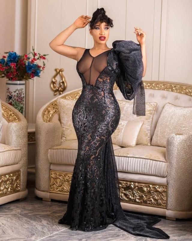 Tonto Dikeh flaunts her curves in sexy black dress (Photos)