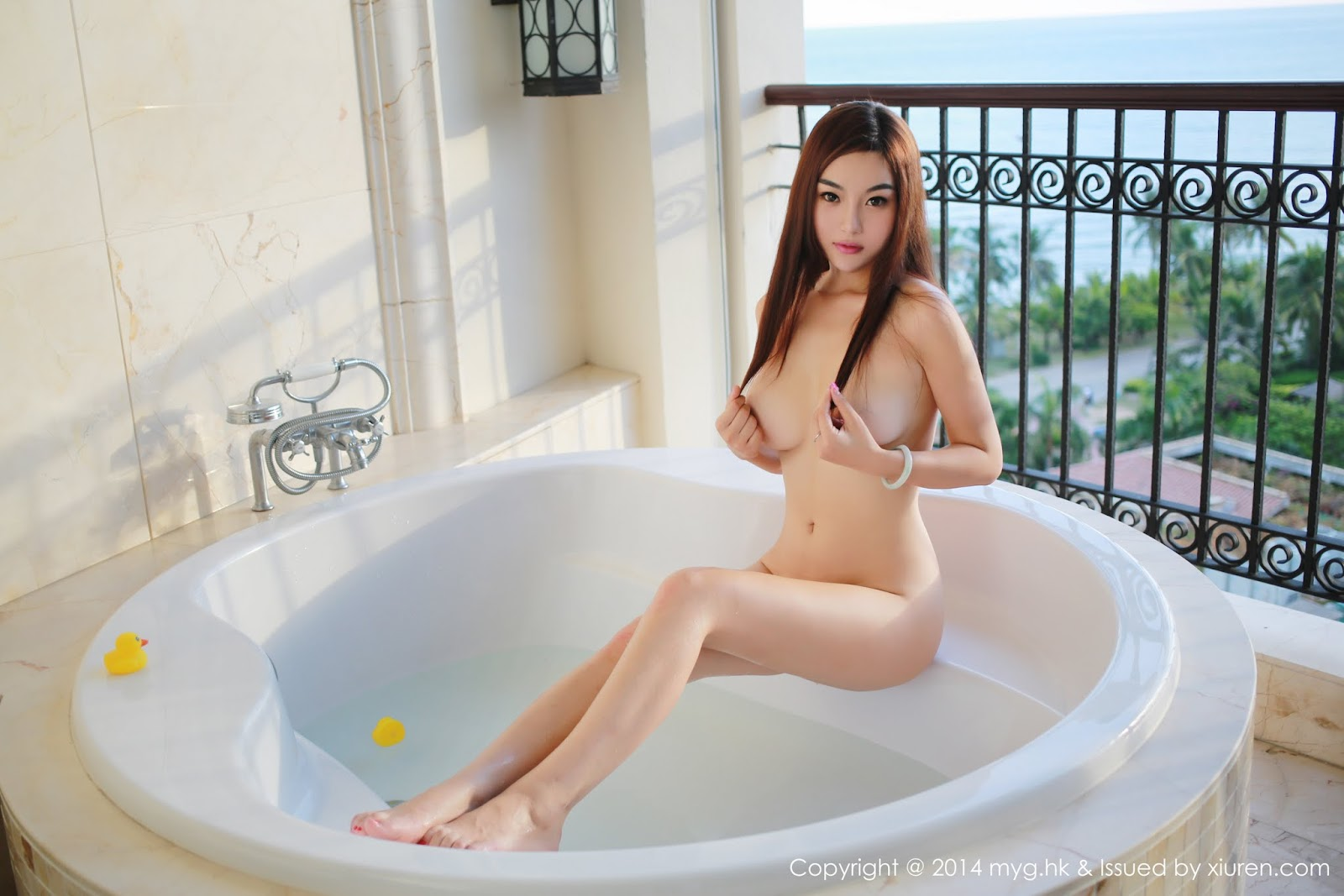 0013 - Beautiful Naked Girl Model MYGIRL VOL.35