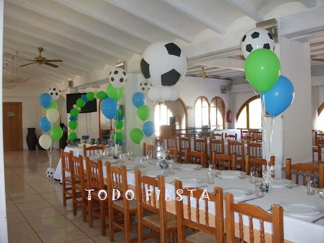 Decoraci n con globos de todo fiesta decoraciones para 1 - Decorar mesas de comunion ...