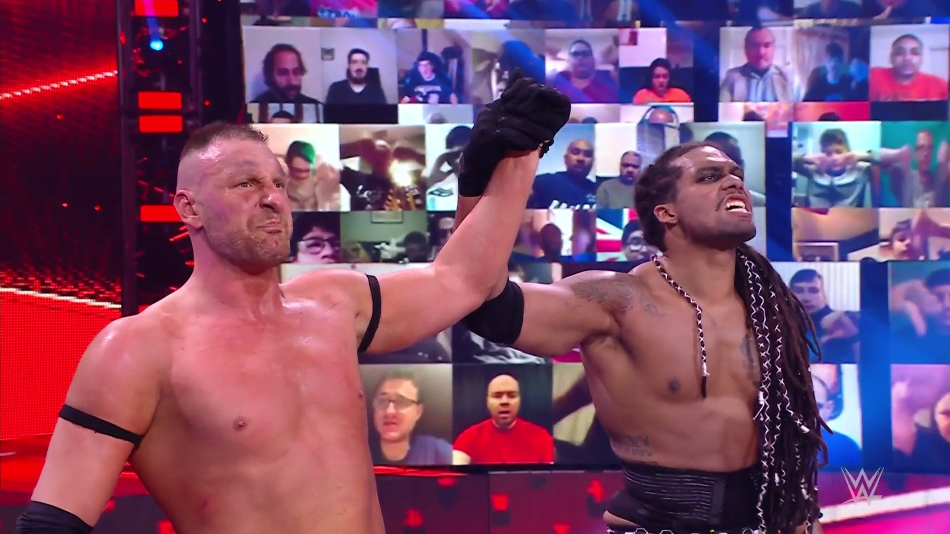 T-BAR e Mace são desmascarados por Drew McIntyre e Braun Strowman