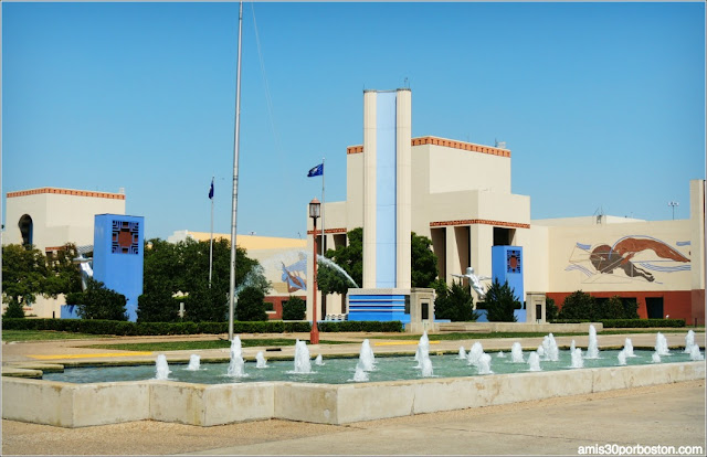 Esplanade Fountain en el Fair Park de Dallas