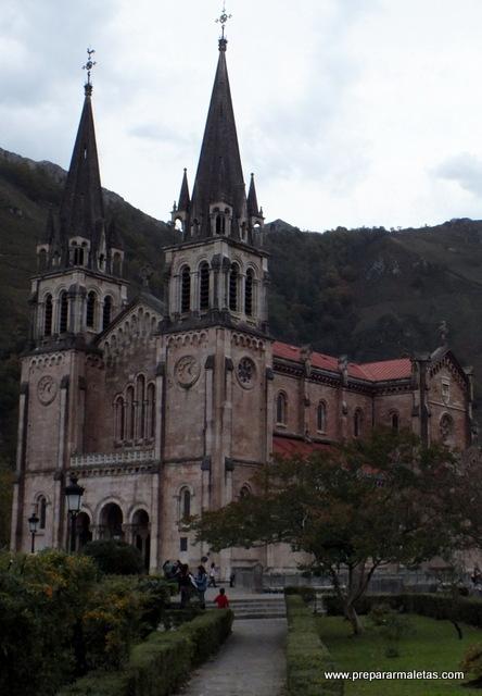 Visitar la Basílica de Covadonga