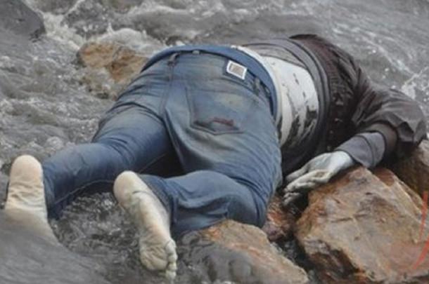 جريمة مروعة.. زوجة وعشيقها يقتلان الزوج ويلقيان جثته في البحر