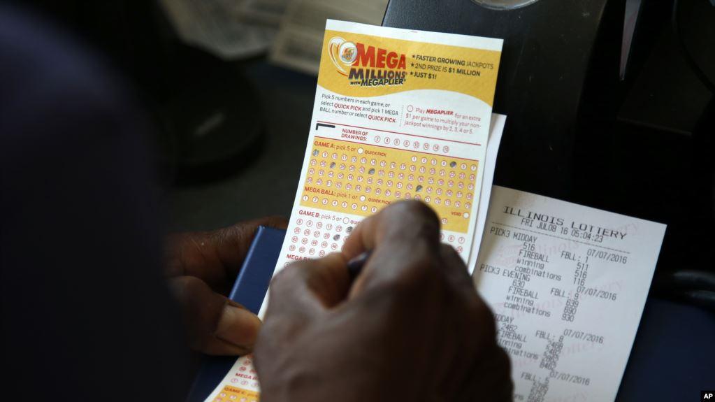 Salah Beli Tiket, Pria Ini Menangkan Hadiah Senilai Rp. 29,2 Miliar