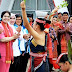 Kunjungi Danau Toba, Ibu Negara Iriana Jokowi Diajak Bernyanyi Lagu Batak dan Menari Tortor