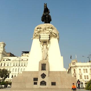 Monumento a San Martín e a Madre Pátria, na Plaza San Martín, Centro de Lima