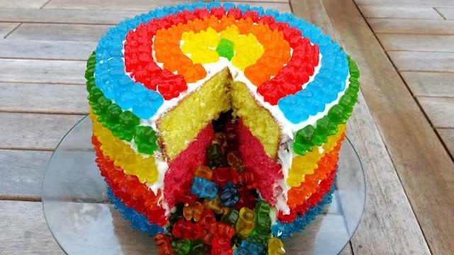 торты, торты школьные, торты на 1 сентября, торты для детей, торты для школьников, торты на день знаний, шоколадные листья, шоколадные перья, рецепты тортов, День знаний, 1 сентября, угощение, еда, кулинария, декор тортов, оформление тортов, оформление блюд, рецепты кулинарные, торты праздничные, школьное, про торты, школа, торты для первоклассников, первый звонок, торты на День учителя, торты на школьные праздники,