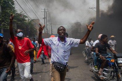 Estudiantes protestan contra ola de secuestros en Haití