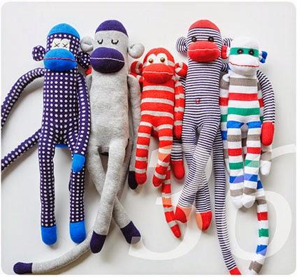 knit kit die sockenaffen aus der schweizer landliebe. Black Bedroom Furniture Sets. Home Design Ideas