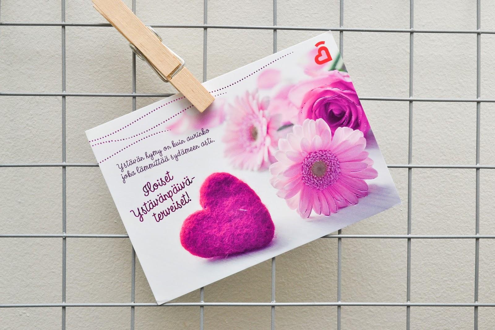 Saippuakuplia olohuoneessa blogi, kuva Hanna Poikkilehto, ystävänpäivä, blogisisaret, ystävänpäiväkortti, blogisisarten ystävänpäivä 2018, koti, olohuone, sisustus,