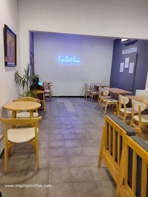 Area bagian depan Ikio Coffee