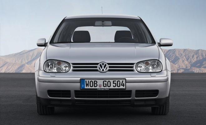 Volkswagen Golf IV front view