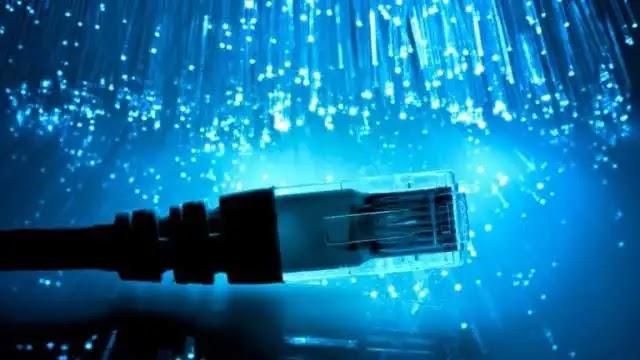 """تعلن ولاية كيرالا """"حق إنساني أساسي"""" ؛ سوف نقدم الإنترنت مجانا للفقراء"""