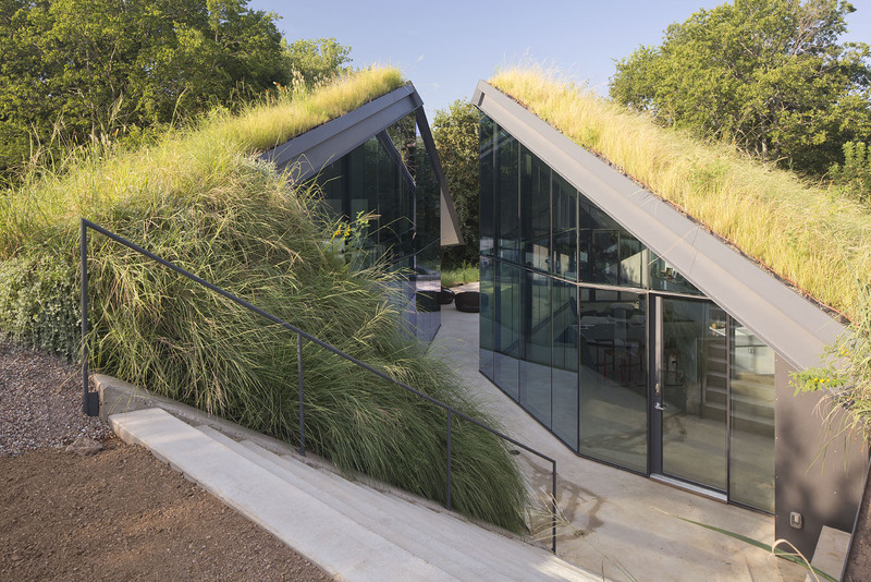 Edge Land House With Triangular Smart Pool And Living Roof