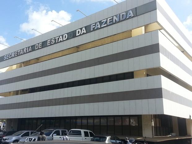 Empresas são multadas em R$ 9 milhões por não pagarem imposto