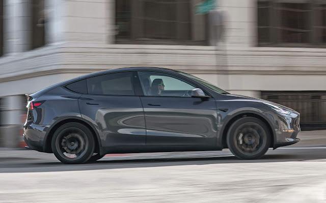Tesla reduz o preço do Model Y em US$ 3.000 (R$ 16 mil)