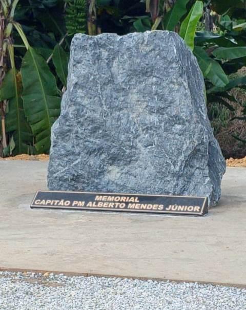 Polícia Militar do Interior inaugurou um monumento alusivo à memória do Capitão PM Alberto Mendes Júnior