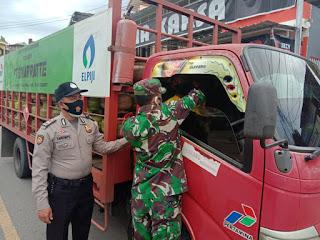 Satuan Sabhara Polsek Alla Lakukan Razia Masker Kepada Pengendara Di Jalan Poros Enrekang-Toraja