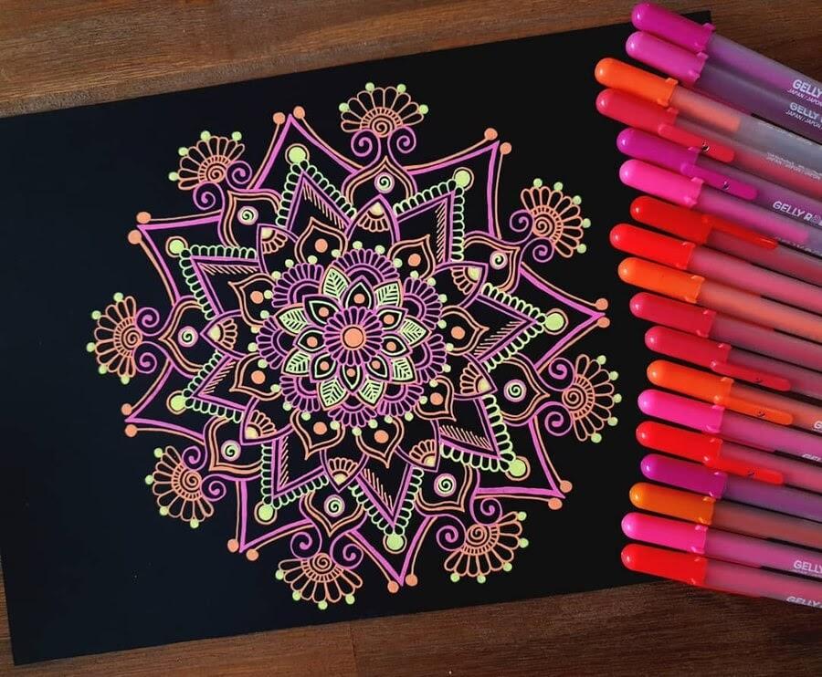 06-Mandala-and-Zentangle-Drawings-Simran-Savadia-www-designstack-co