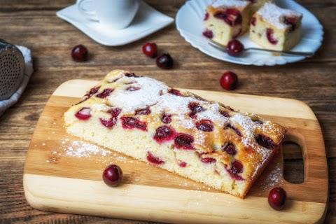 Bögrés, meggyes-tejfölös süti: olcsó és egyszerű, mégis nagyon finom