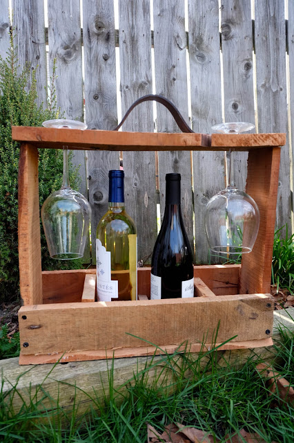 portable wine carrier wood diy project reuse upcycle pallet