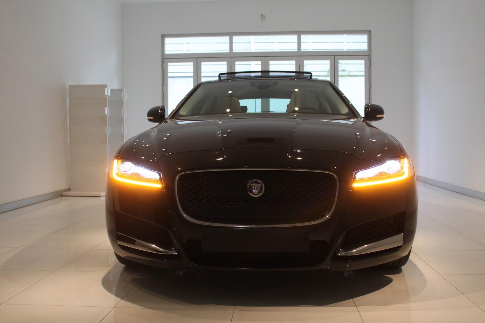 Hệ thống đèn pha full led cho bản cao cấp của Jaguar XF 2017 và 2018
