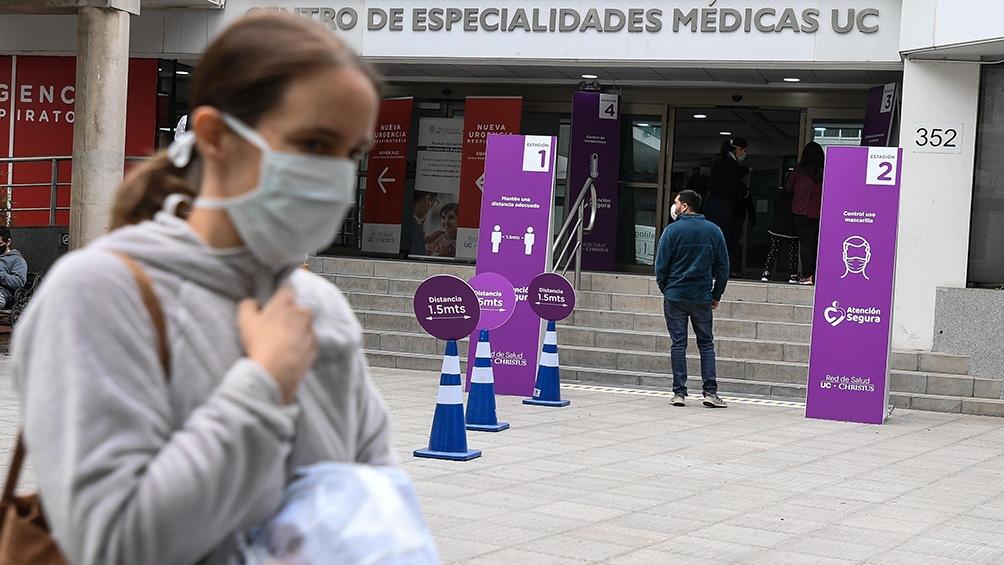 Anuncian 2.660 contagios en un día y decreta cuarentena total en el Gran Santiago