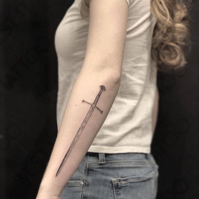 significado-tatuaje-espada