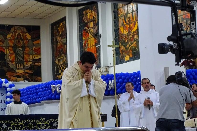 Goiás - Diário de bordo de Trindade - missa no santuário Basílica do Divino Pai Eterno