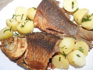 Peste caras prajit cu cartofi natur reteta,