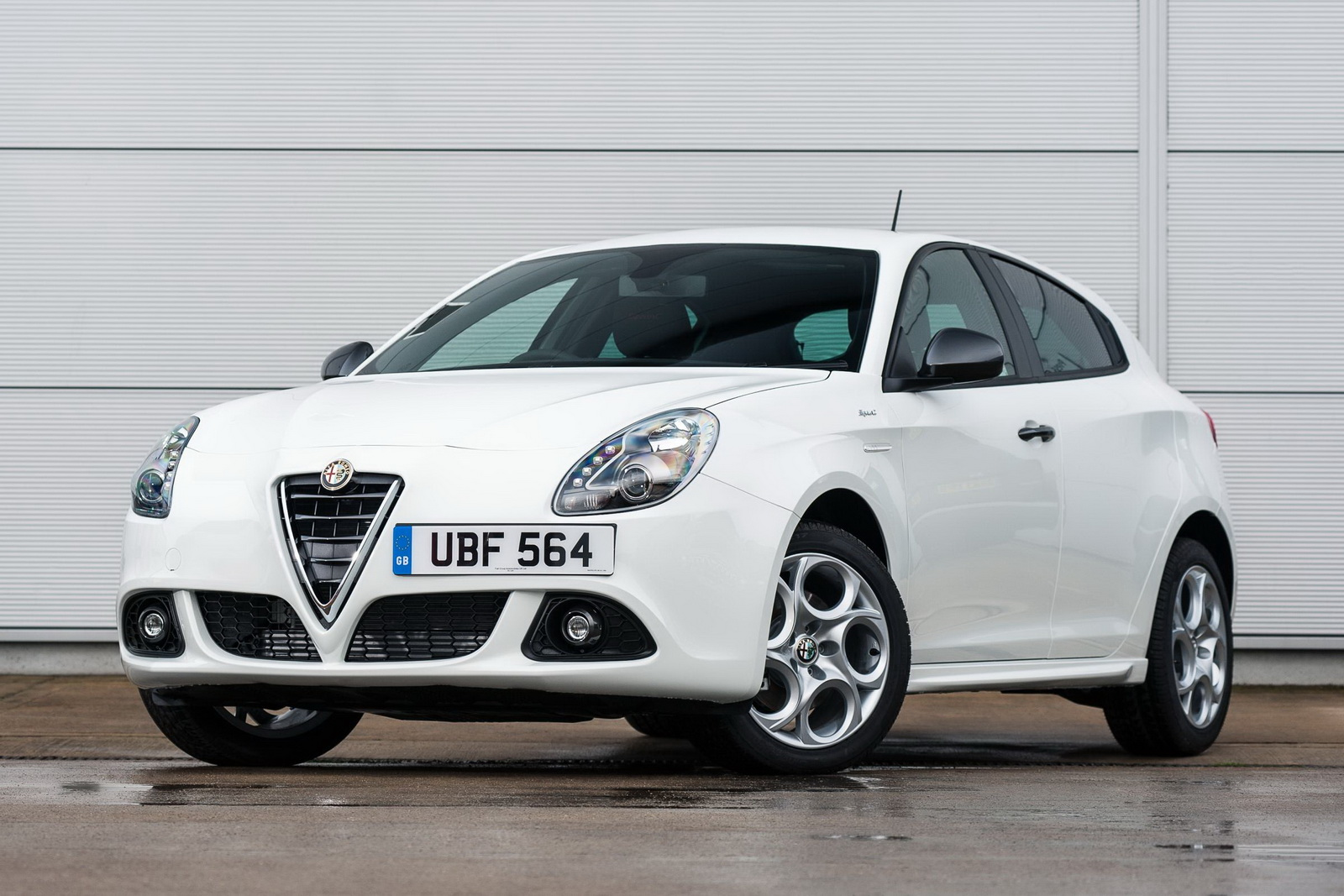 alfa romeo giulietta sprint launched in the uk priced from 20 490. Black Bedroom Furniture Sets. Home Design Ideas