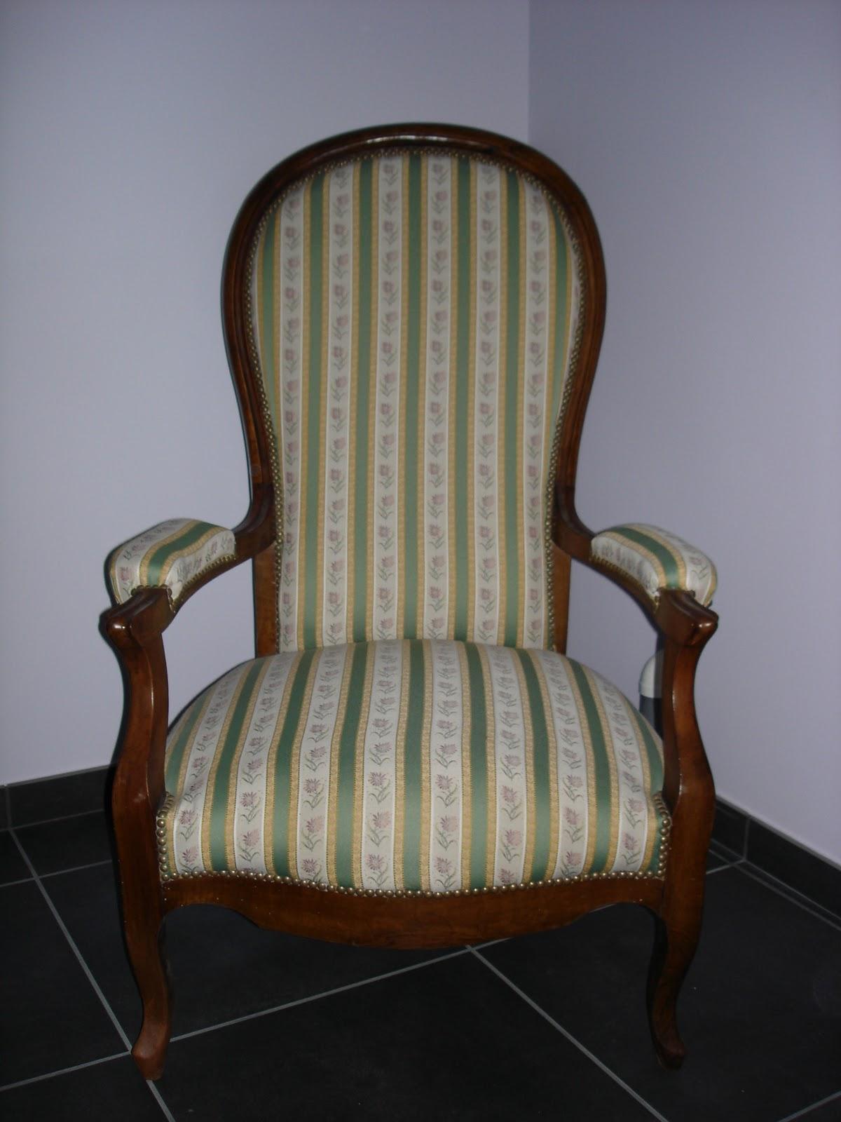 dressing grenier fauteuil voltaire. Black Bedroom Furniture Sets. Home Design Ideas