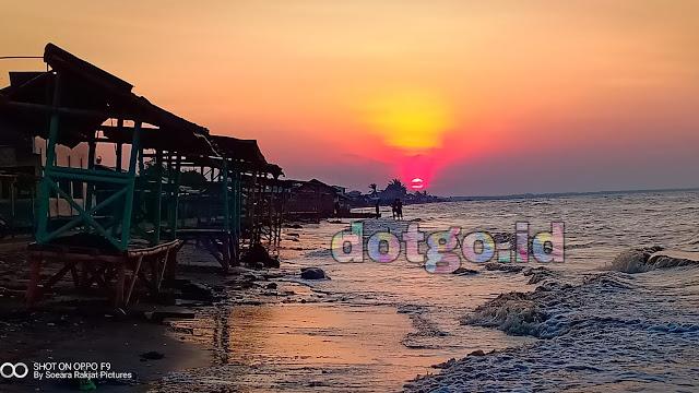 Wisata Karawang Pantai Cibendo Tempuran sangat indah saat sunset