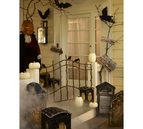 It's Written on the Wall: Amazing Halloween Decorating ...