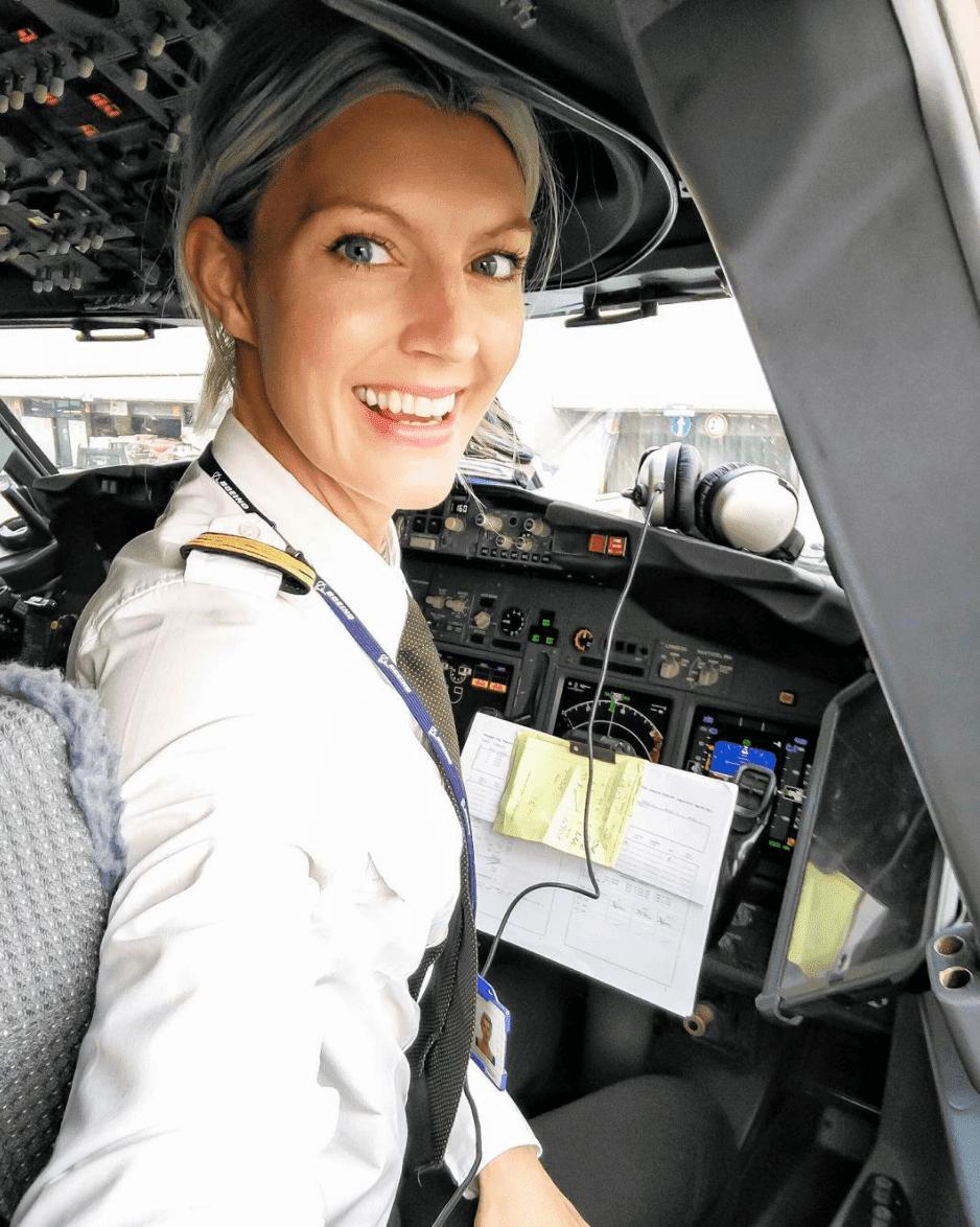 5 Pilot Wanita Cantik di Dunia