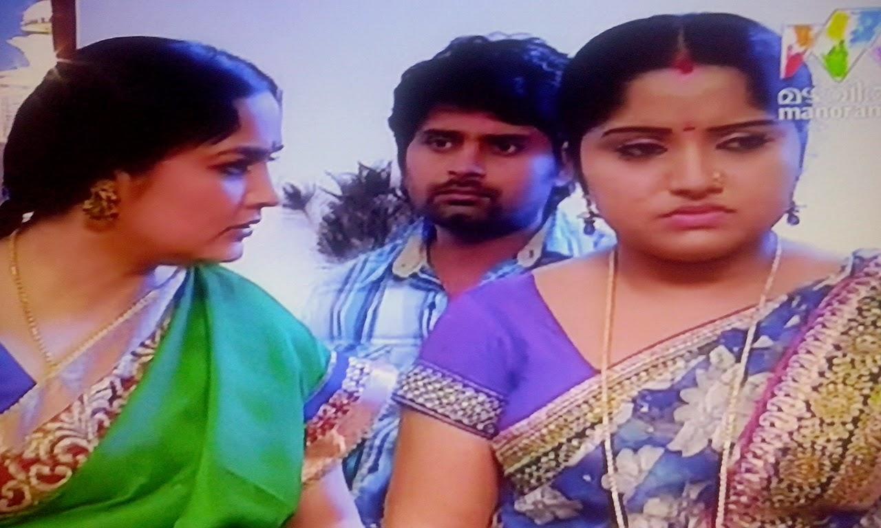 Sadhika Venugopal Hot Navel Show Telugu Mirchi Actress