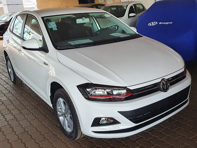 VW Polo Comfortline 2020 com faróis do Polo GTS