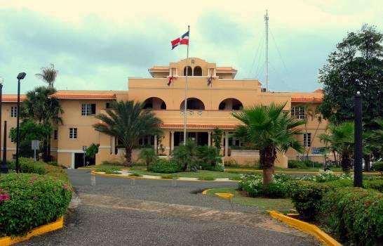 Cancillería es quien paga locales consulados y embajadas RD en el mundo