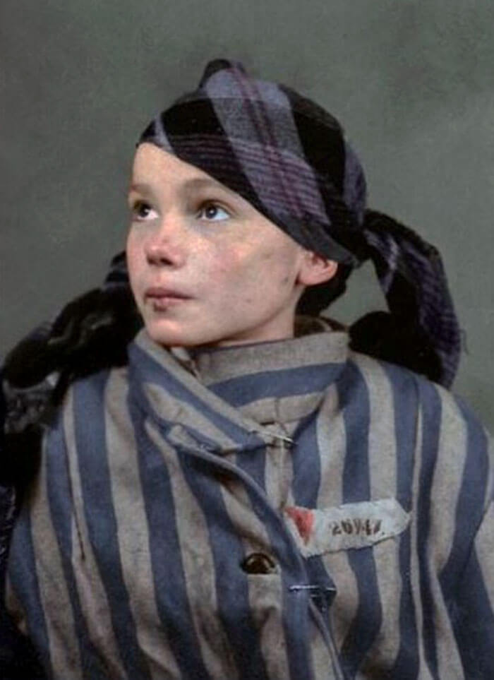 Digital Artist Colorizes The Last Heartbreaking Pictures Of A 14-Year-Old Polish Girl In Auschwitz - Digital Colorist Marina Amaral brought this heartbreaking moment back to life in color.