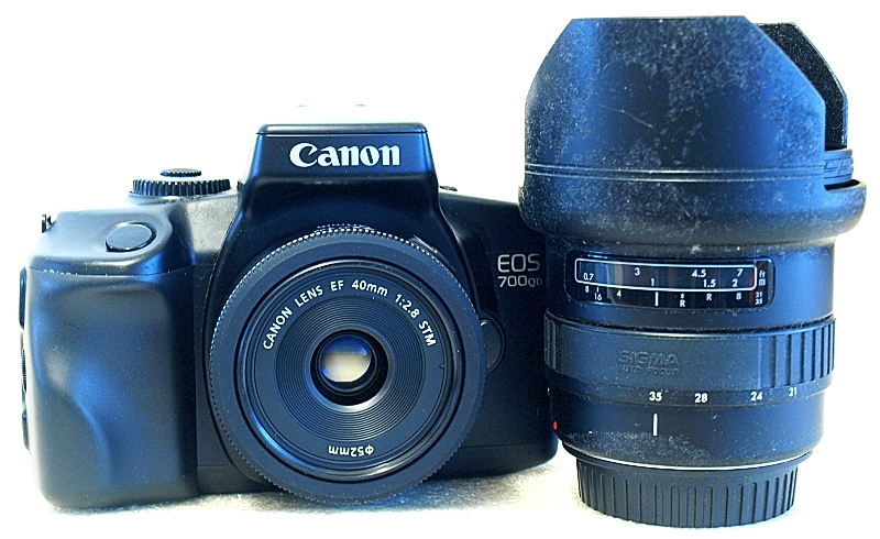 Canon EOS 700QD, Canon EF 40mm F2.8 STM, Sigma Zoom AF 21-35mm F3.5-4.2