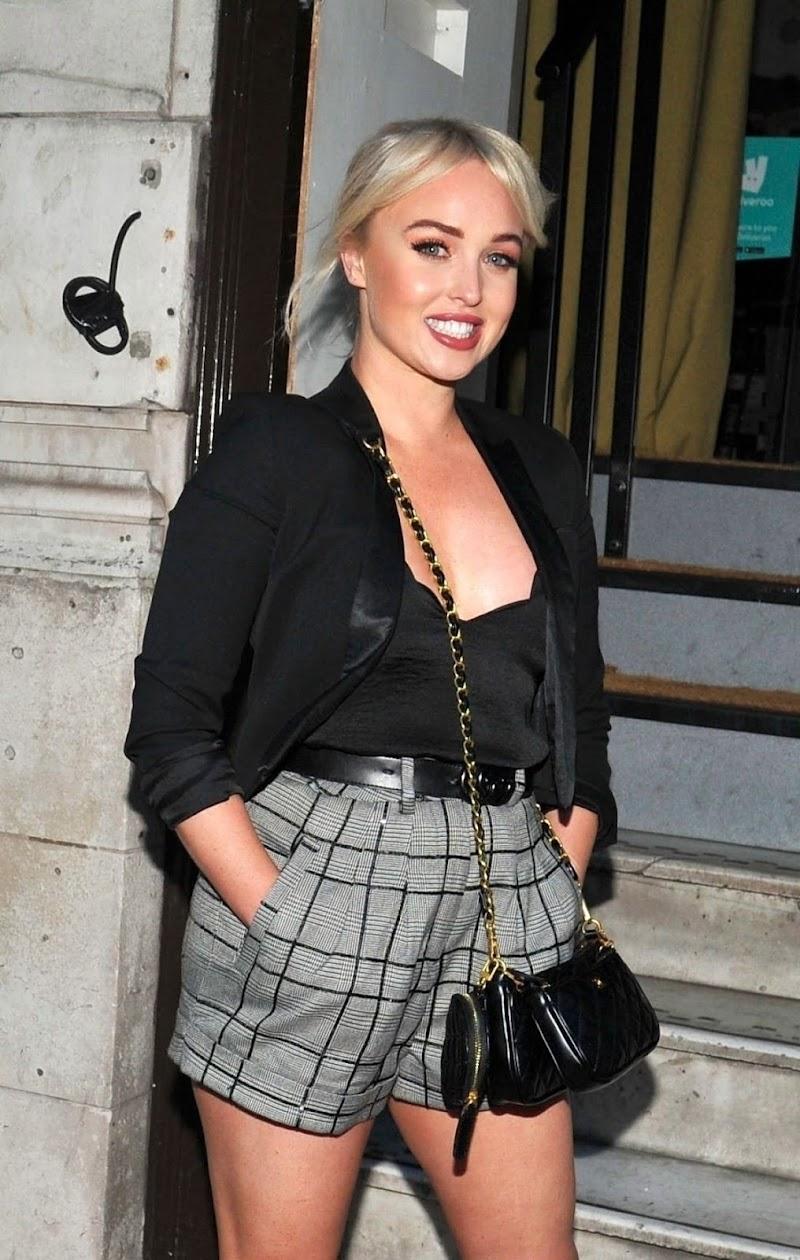 Jorgie Porter Clicks at Clogau Influencer Dinner Party in Manchester 21 Aug -2020