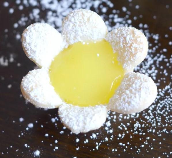 MINI LEMON FLOWER TARTS #desserts #easterdessert