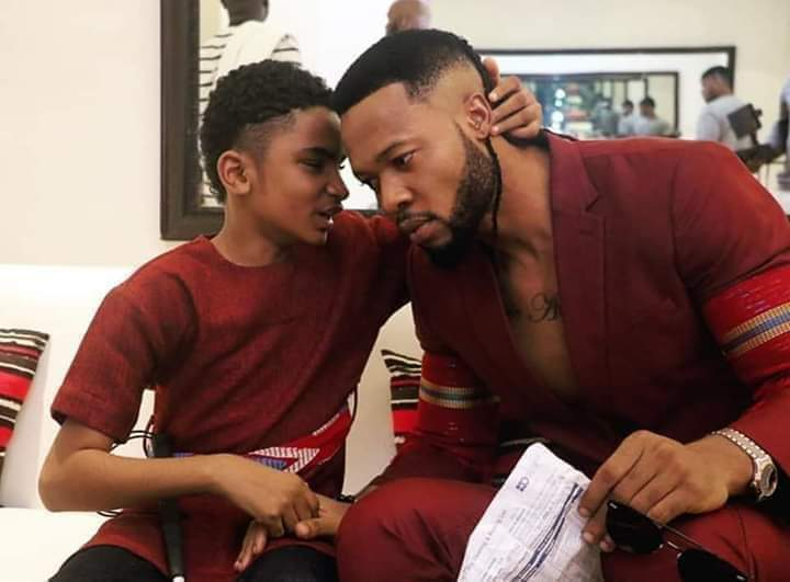 THIS CAN SAVE YOU : FLAVOUR FLIES SEMANH INDIA TO RESTORE HIS SIGHT