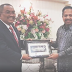 Siapa 'terciduk' bila MB Kedah hargai Presiden MIC?