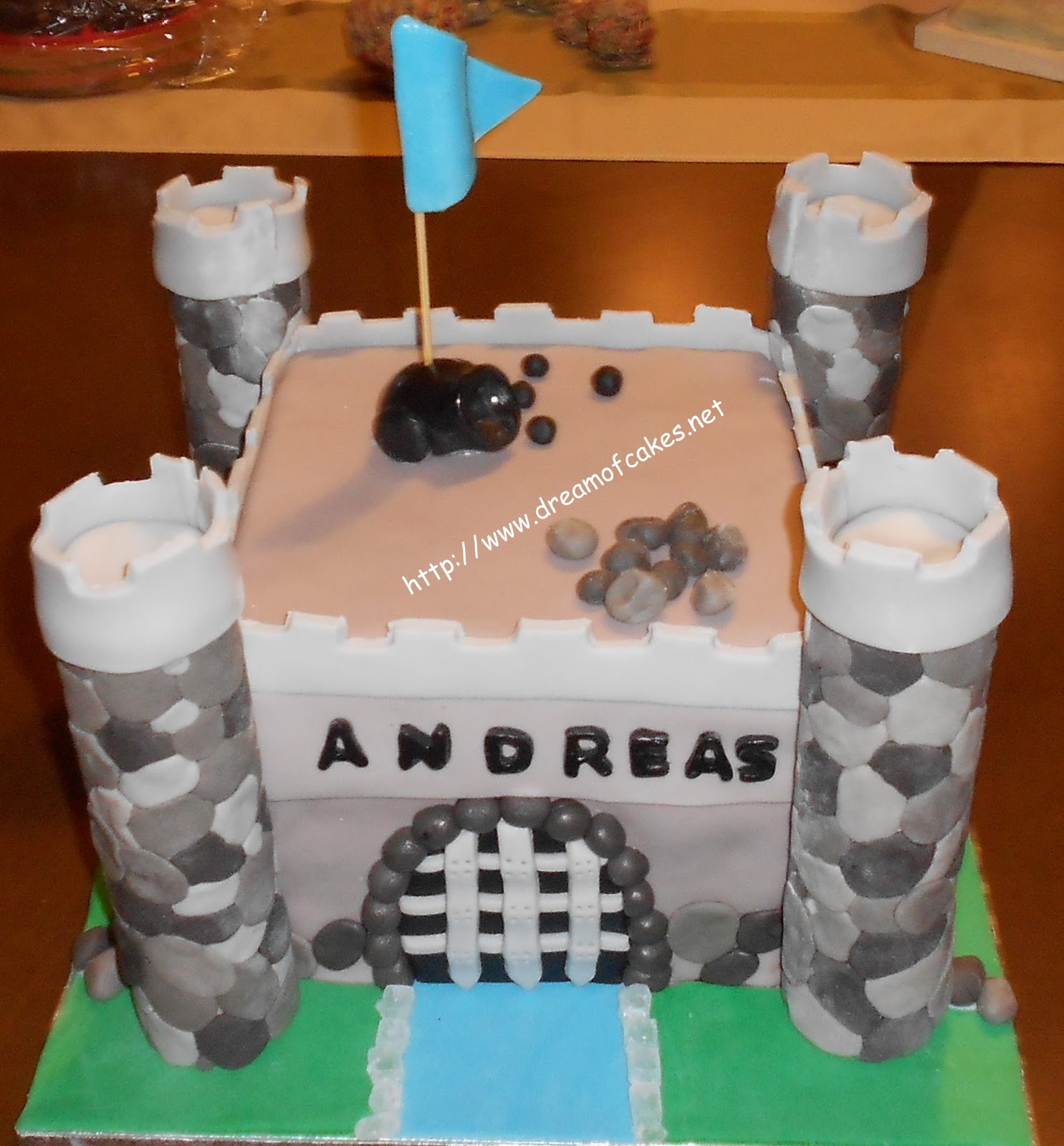 Knights Castle Birthday Cake This Was Made For A 6 Year Old Boy