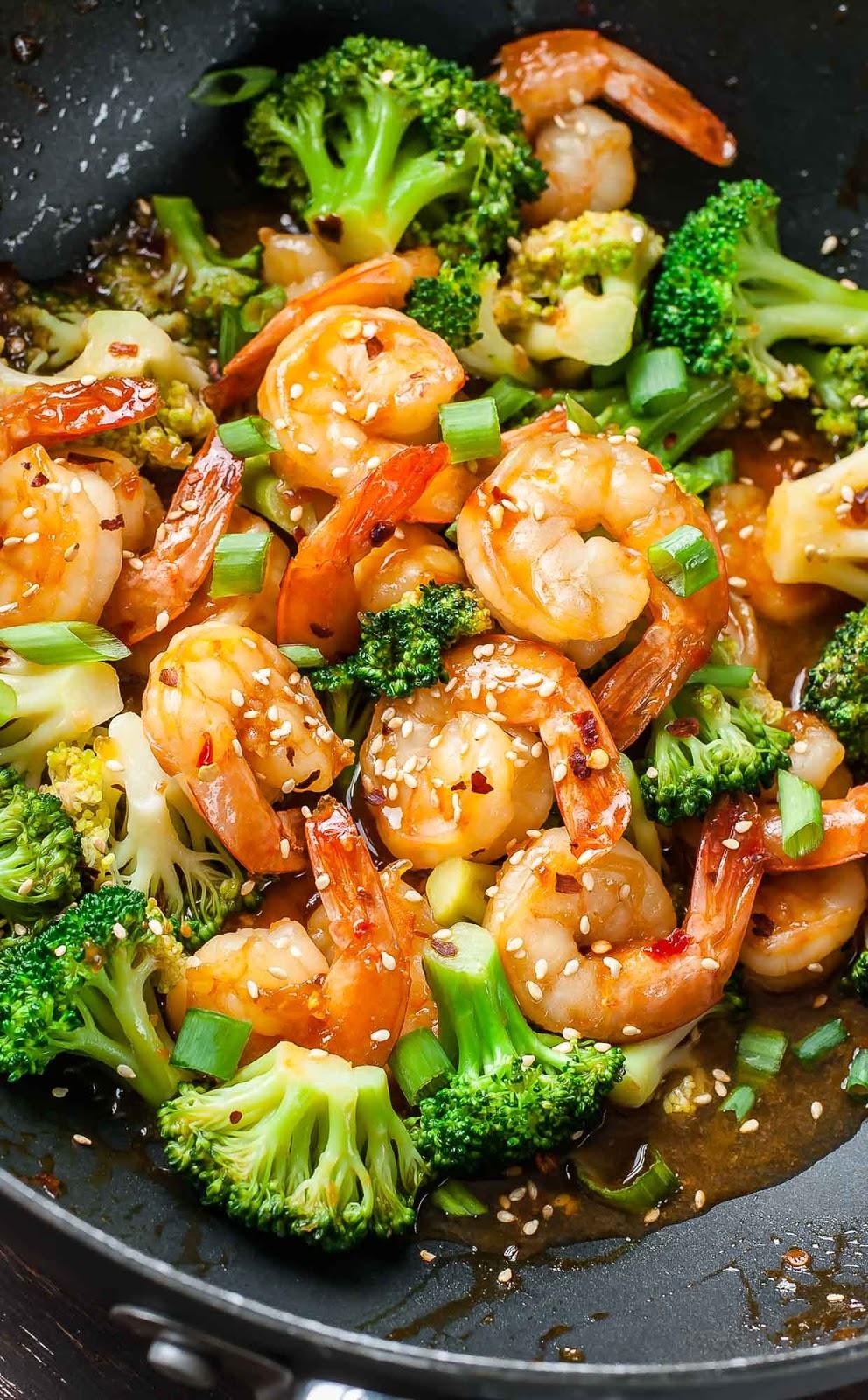 20-Minute Skinny Sriracha Shrimp and Broccoli #20-Minute #Skinny #Sriracha #ShrimpandBroccoli #20-MinuteSkinnySrirachaShrimpandBroccoli